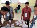 proses-pelaksanaan-pemungutan-suara-ulang-di-desa-gajah-bertalut-kabupaten-kampar-riau_20180630_204507.jpg