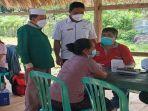 ratusan-warga-desa-siru-kabupaten-mabar-jalani-vaksinasi-covid-19.jpg