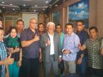 rektor-upg-ntt-45-bersama-para-dosen-dan-ketua-pb-pgri-di-restoran-celebes-kupang_20180927_193538.jpg