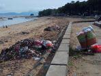 sampah-di-pantai-oesapa_20170319_172025.jpg
