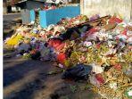 sampah-menumpuk-di-jalan-bougenville-naikolan.jpg