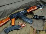 senjata-ak-47_20170514_234830.jpg