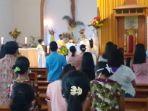 suasana-perayaan-misa-di-gereja-katedral-weetabula-sbd-nampak-uma.jpg