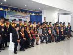 suasana-prosesi-wisuda-akn-nagekeo-di-aula-setda-nagekeo-kabupaten-nagekeo_20181104_120427.jpg