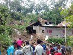 suasana-saat-evakuasi-oleh-warga-di-desa-selalejo-timur-kecamatan-mauponggo.jpg