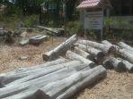 tumpukan-kayu-sonokeling-yabg-disita-oleh-upt-kph-kabupaten-ttu_20181027_162702.jpg