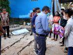 undana-peduli-mahasiswai-terdampak-badai-seroja-di-kelurahan-oesapa-kamis-2242021-3.jpg