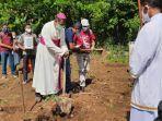uskup-atambua-mgr-dr-dominikus-saku-pr-mengger.jpg