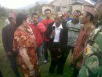 warga-desa-kombo-selatan-kecamatan-pacar-kabupaten-manggarai-barat_20180430_182732.jpg