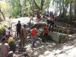 warga-desa-naisau-kecamatan-sasitamean-kabupaten-malaka_20180927_175148.jpg