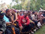 warga-desa-selalejo-selatan-saat-ikut-acara-peresmian-desa-persiapan_20180514_174614.jpg