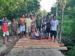 warga-dusun-boni-desa-kakaniuk-kecamatan-malaka.jpg