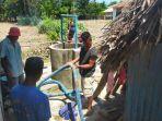 warga-korban-banjir-di-desa-fahiluka-butuh-air-bersih.jpg