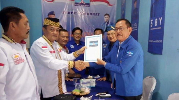 1 Balon Serahkan Berkas Pendaftaran ke DPC Partai Demokrat Lampung Selatan