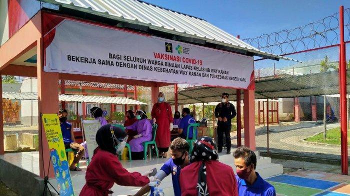 100 Narapidana Lapas Way Kanan Lampung Mendapatkan Vaksin Covid-19 Dosis Pertama