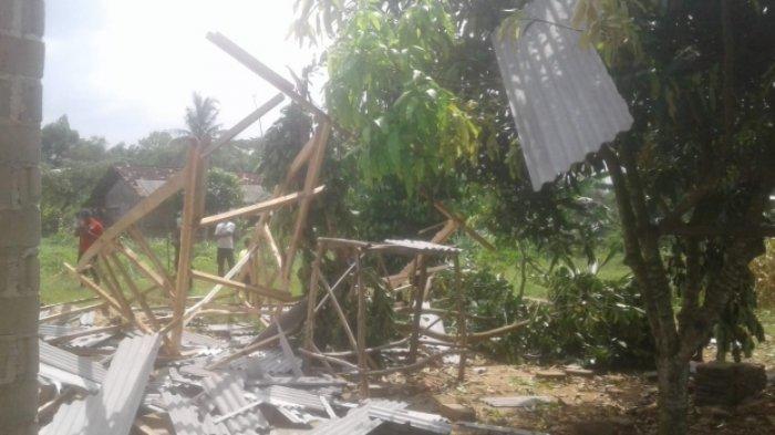 16 Rumah Warga di RT 24 Kampung Poncowati Alami Kerusakan Akibat Puting Beliung
