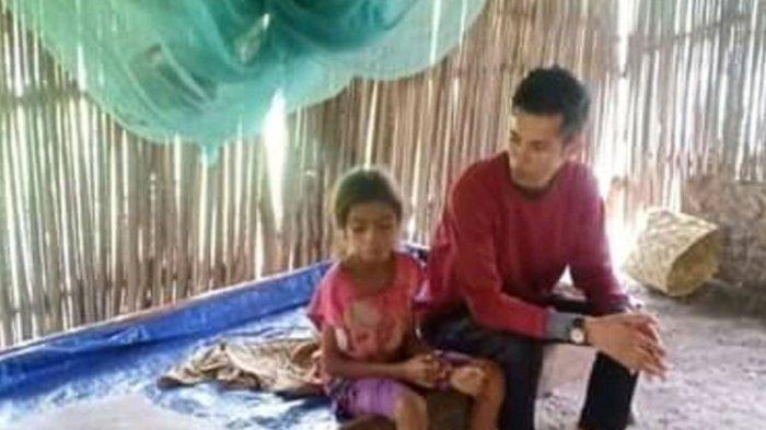 2 Siswa SD Tinggal di Gubuk Reyot Tanpa Orangtua, Guru Kaget Lihat Kondiri Miris Muridnya