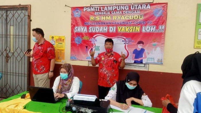 210 Anggota PSMTI Lampung Utara Disuntik Vaksin Covid-19