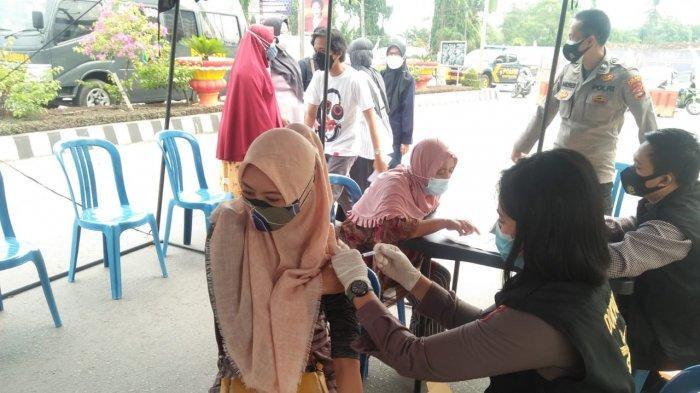 280 Warga Lampung Utara Ikuti Vaksinasi di Pos Lalu Lintas Tugu Payan Mas Kotabumi