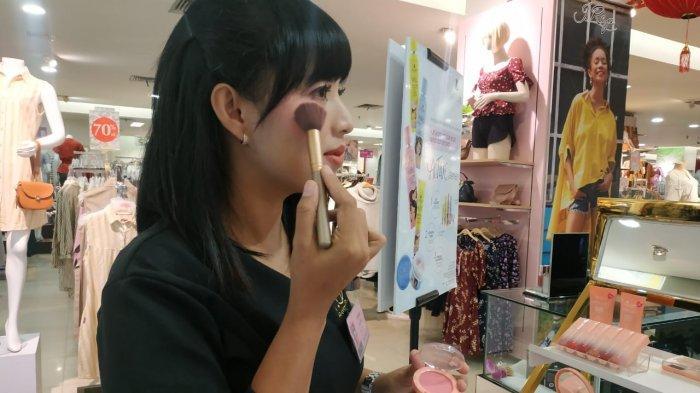 3 Jenis Highlighter Y.O.U yang Dapat Membuat Wajahmu Tampak Tirus dan Hidung Terlihat Mancung