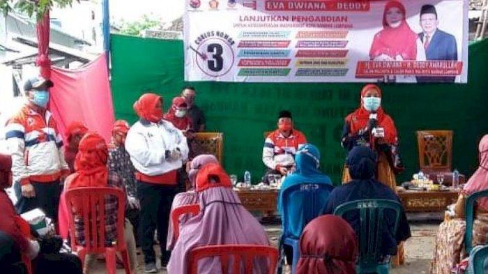 3 Paslon Wali Kota Bandar Lampung Bagikan APD saat Kampanye