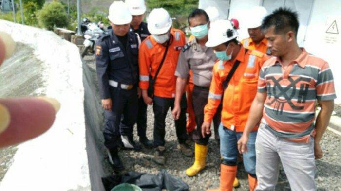 3 Pekerja Temukan Mayat Bayi Laki-laki saat Bersihkan Sampah di Pintu Penyaringan Air