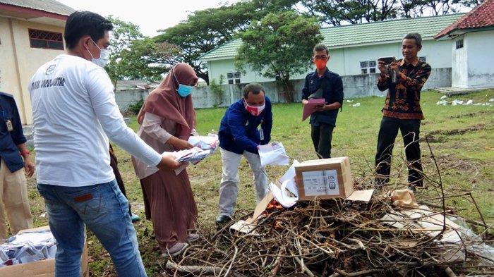 5.122 Surat Suara Rusak dan Tidak Terpakai Dilakukan Pemusnahan oleh KPU Lampung Selatan