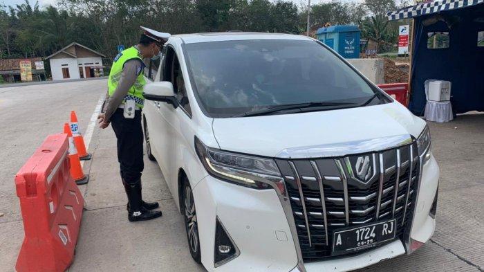 PPKM Darurat, 6 Mobil dan 3 Bus Dipaksa Putar Balik di Exit Tol Simpang Pematang Mesuji Lampung