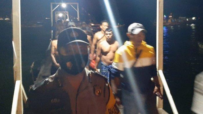 Kisah 23 ABK Selamat dari Kapal Tenggelam di Teluk Semaka: Mustahil Selamat, Tapi Saling Menguatkan