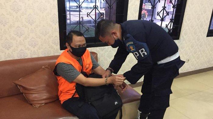 Bupati Agung Masuk Lapas Rajabasa Siang Hari dengan Pengawalan Staf Rutan