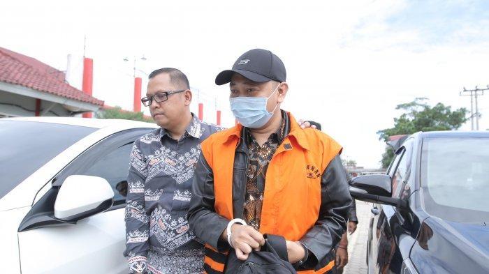 Bupati Nonaktif Lampung Utara Tak Dendam dengan Syahbudin, Kuasa Hukum: Saya Minta Pindah