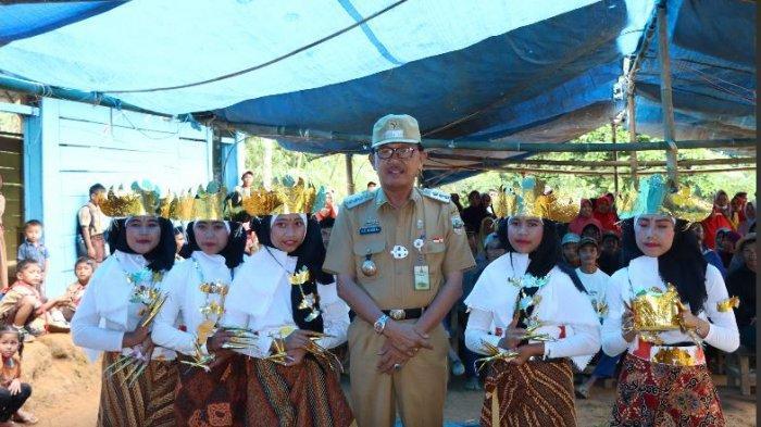 Dalam sambutannya Bupati Pesisir Barat DR. Drs. Agus Istiqlal, SH, MH menyampaikan ucapan terima kasih kepada seluruh masyarakat dan pemerintahan   pekon setempat yang telah menyambut dengan begitu antusias.