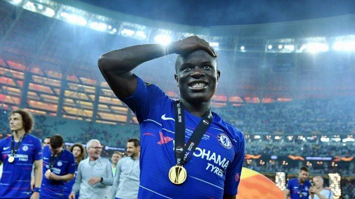 Aksi N'Golo Kante Tak Cium Tropi Kuping Besar Tuai Pujian dan Buat Fans Chelsea Tertawa