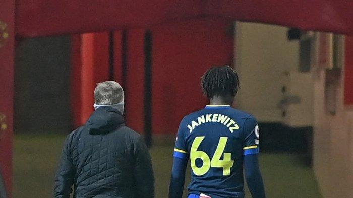 Southampton Laporkan Kasus Rasis Terhadap Gelandangnya Alex Jankewitz , Usai Dibantai Man United 9-0