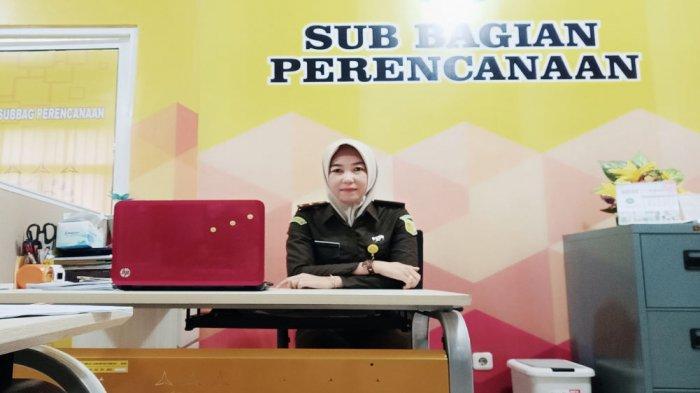 alumni Universitas Teknokrat Prodi Sistem Informasi Akuntansi Rafidah Hasnun, AM.d, S.I.Ak, juga bekerja di Kejaksaan Tinggi Lampung.