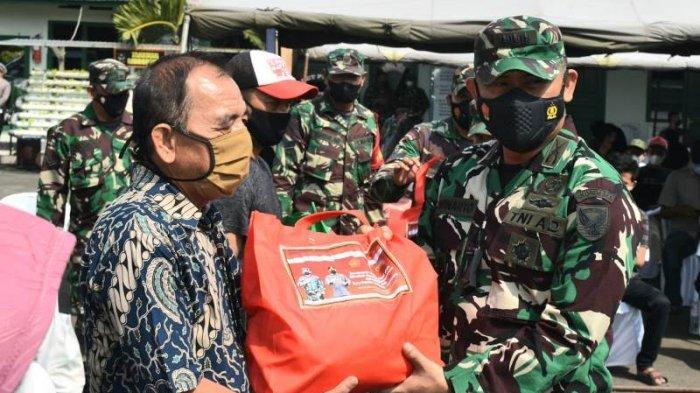 Alumni Akabri 98 Gelar Vaksinasi Massal dan Pembagian Sembako untuk Masyarakat di Bandar Lampung