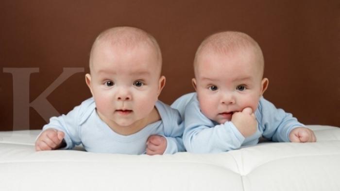Arti Mimpi Punya Anak Kembar, Simnol Cinta dan Komitmen