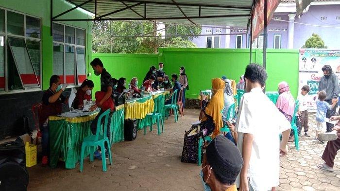 Antusias Vaksinasi Tinggi, Warga di Mesuji Lampung Padati Puskesmas Setempat