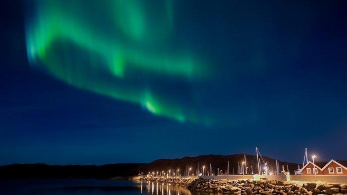 Apa Itu Aurora, Keindahan Cahaya Surgawi yang Dinantikan Banyak Orang