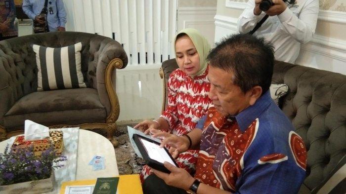 Gubernur Arinal Bersama Riana Sari Arinal Jadi Inisiator Pengisian Sensus Penduduk 2020 di Lampung