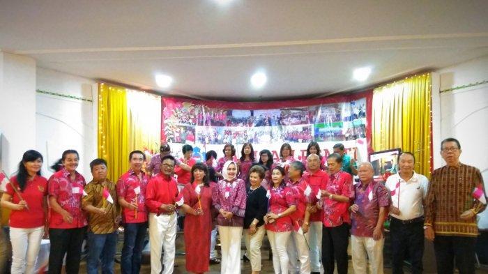 Arisan PSMTI Dihadiri Istri Gubernur Lampung Riana Sari dan Juga Penyanyi Lawas Koes Hendratmo