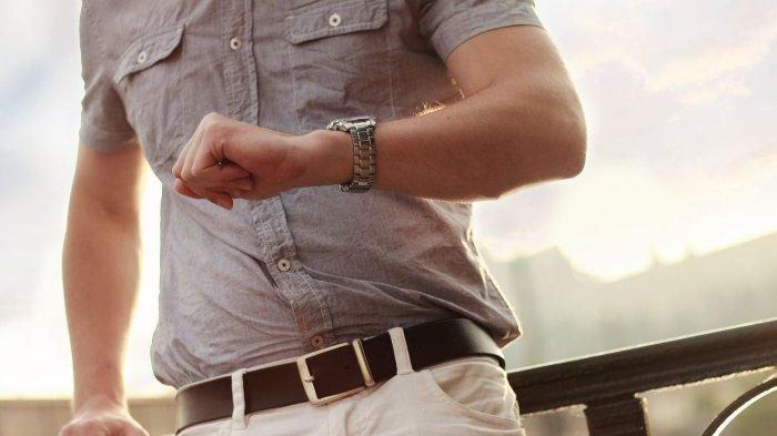 Arti Mimpi Memakai Jam Tangan, Anda Butuh Istirahat dari Rutinitas