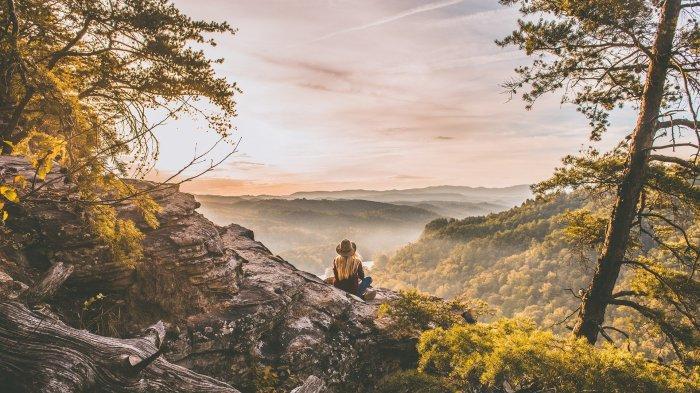 Arti Mimpi Mendaki Bukit, Didatangi Kesulitan Tak Terduga