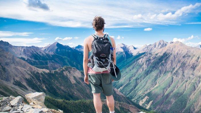 Arti Mimpi Naik Gunung, Ada Kesuksesan dan Kegagalan di Masa Depan