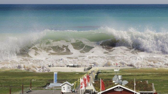 Ilustrasi tsunami. Simak arti mimpi tsunami, tanda merasa tertekan.