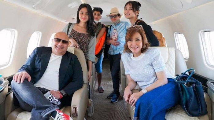 Artis Maia Estianty dan Irwan Mussry Liburan ke Bali, Ajak Kekasih Al dan Dul