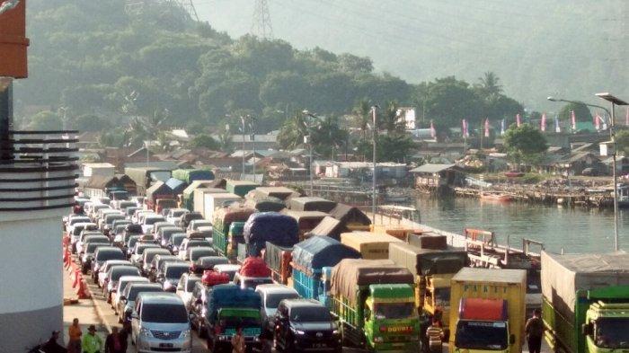 Pemudik dari Pulau Jawa Mulai Ramai di Pelabuhan Bakauheni, Hindari Kemacetan Saat Puncak Arus Mudik