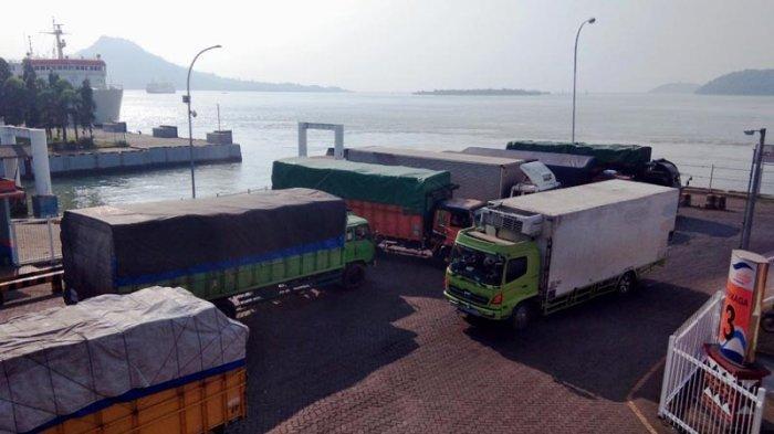 Jalintim Terputus Penyeberangan Truk Turun 17 Persen