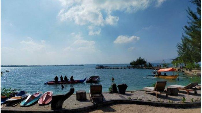 tempat bersantai menikmati keindahan pantai grand elty krakatoa