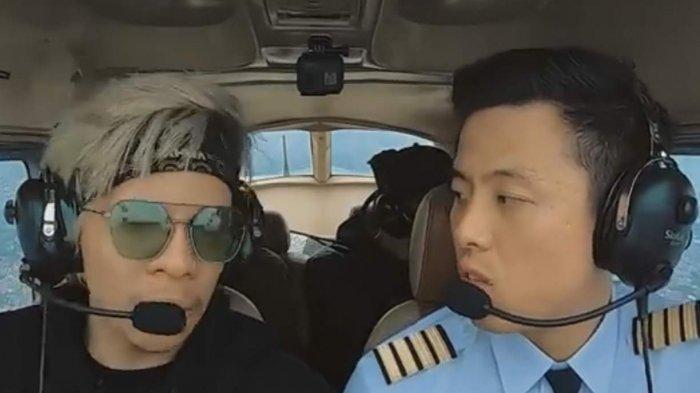 Atta Halilintar Tegang Terbangkan Pesawat Bersama Vincent Raditya, Ciut Nyali Dibilang Rem Rusak